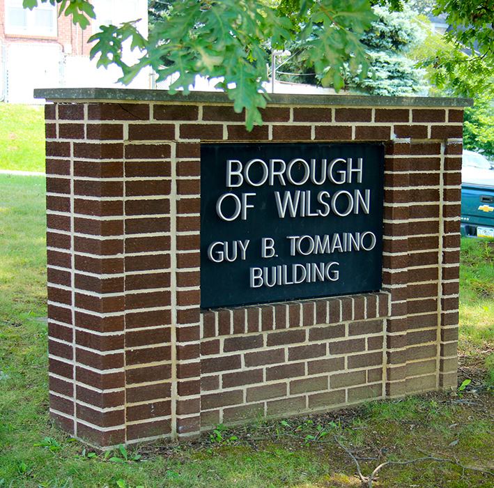 TomainoBuildingSign